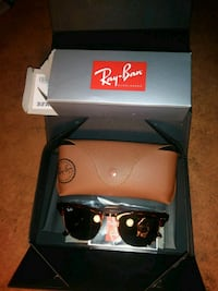black Ray-Ban wayfarer sunglasses with case College Park, 20740