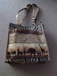 Tote with African design Brantford, N3R 0A1