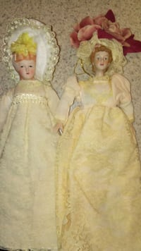 Two Lace Preety Porcelain Dolls Albuquerque, 87102