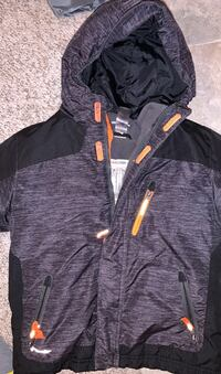 Jacket size 6-7 small. Gently used, smoke free home. Lititz, 17543