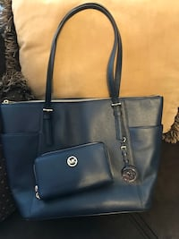 Micha3l Kors Navy Leather Tote Bag and Matching Wallet Lynn, 01904