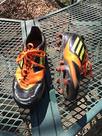 Adidas boys soccer cleats, size 7 (Falls Church) Falls Church, 22044