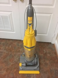 orange and gray Dyson upright vacuum cleaner Gainesville, 20155