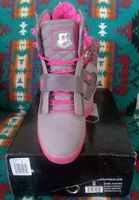 pair of gray-and-pink Nike sneakers Albuquerque, 87114