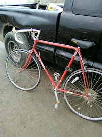 red and black road bike New Castle, 19720