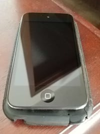 ipod 4 like new. no scratches