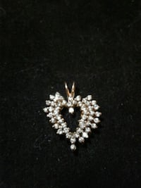 .925 silver cluster studded heart pendant 134 mi