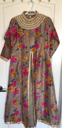 Silk floral long sleeve dress( M Size) Brampton, L6P