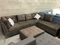 Brand new large brown fabric sectional sofa with storage ottoman warehouse sale  多伦多, M1S 4A9