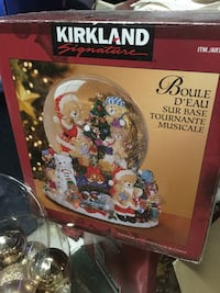 Christmas glass musical snow globe