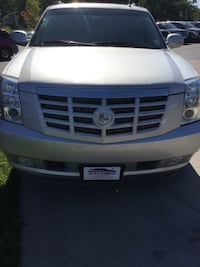 2011 Cadillac Escalade ESV AWD 4dr GUARANTEED CREDIT APPROVAL Des Moines