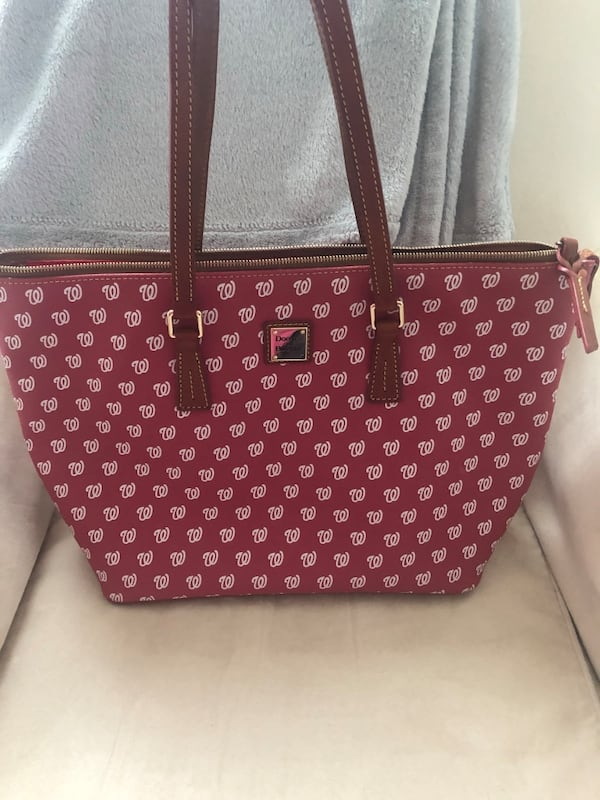 Dooney & Bourke Washington Nationals Bag bec266aa-002e-499d-9f7e-52c26ae790e4