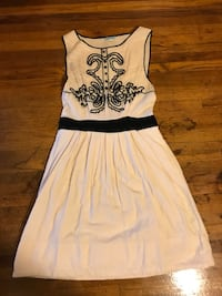 White and cream floral dress, size 4 San Diego, 92106