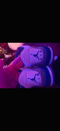 2011 true blue 3's size 9 Silver Spring, 20905