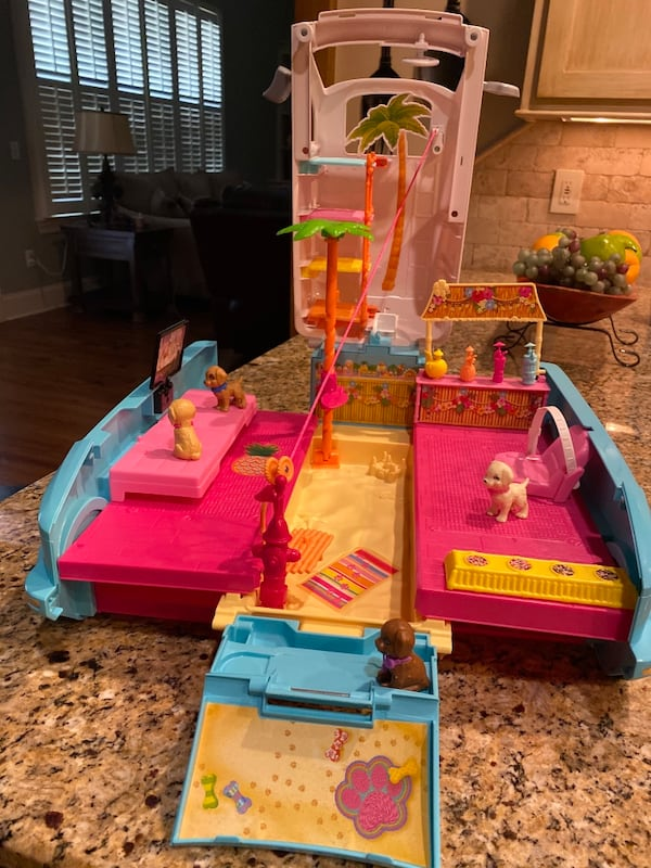 Barbie® Ultimate Puppy Mobile (Brand new never played with but once) 9006d232-3776-460d-aa75-c46e80762a21