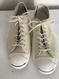 Pair of white converse all star low-top sneakers size11 Warminster, 18974