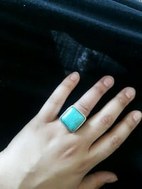 blue and silver ring with box Vaughan, L4H