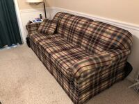 Couch with pullout bed Springfield, 22153