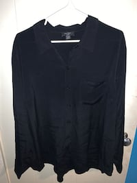 Black button down shirt  Toronto, M3H 1K5