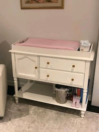 Solid wood changing table Toronto, M6A 2T9