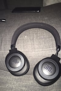 Jbl wireless Bluetooth head phones