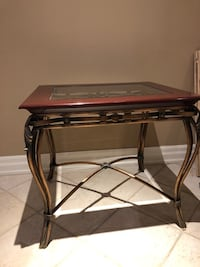 Glass end table Toronto, M3M 2M4