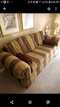 brown and beige fabric sofa Markham, L3R 9T1