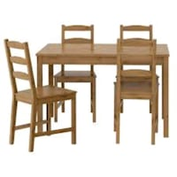 IKEA dining table and 4 chairs Mississauga, L5M