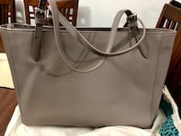 Authentic Tory Burch almost like new. color light gray . dust bag included New Westminster, V3M
