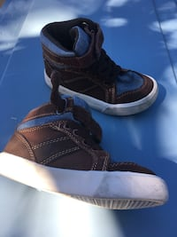 Lather shoes kids size9 only 5 Firm Glen Burnie, 21061