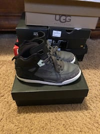 pair of black-and-gray Nike basketball shoes Houston, 77044