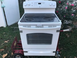 White electric smooth top range oven
