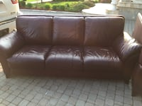 Brown leather 3-seat sofa and loveseat  Ancaster, L9K 1M8