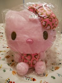 Hello kitty big plushy, stuffed toy, gift 多伦多, M5B 1L2