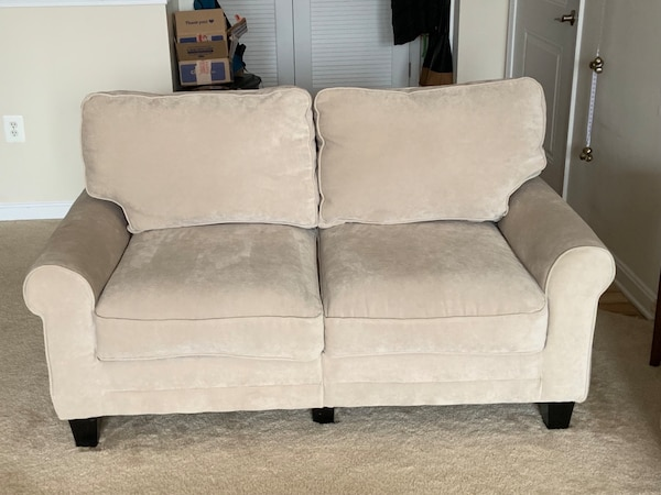 Matching Serta Sofa and Loveseat in Marzipan 3