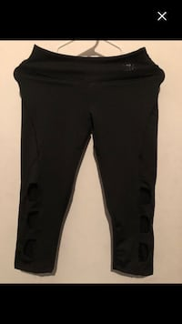 Brand new haff pants size S must sell Montréal, H4E