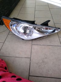 passenger side head light