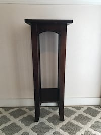 Tall wooden end table  Steilacoom, 98388