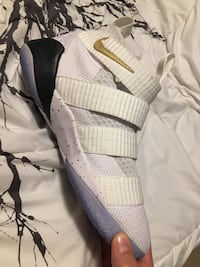 Lightly used Ice white LeBron soldier 11s Surrey, V4N