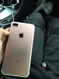 IPhone7plus unlocked 128 gb perfect working condition  Mississauga, L5B 4G7