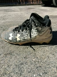 Under Armour Softball/Baseball Shoes Size 9
