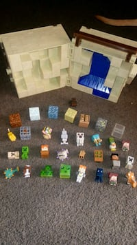 Minecraft minis case, 25 characters, and 7 blocks Apple Valley, 92308