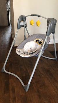Baby's white and gray swing chair Montréal, H1X