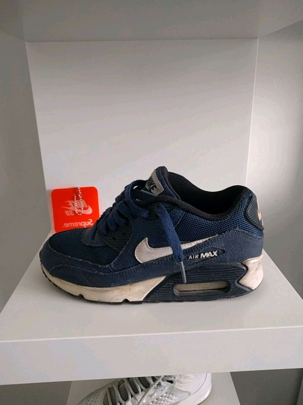 best service 26664 0cd08 Used Nike air max 90, size 4 for sale in Boise