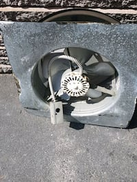 2 Powe roof vents with thermostat 25.00 0r 2 4 40. Kirkland, H9H 3J1