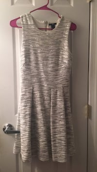 Silver sequent dress Reston, 20190