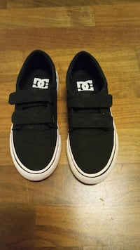 DC shoes size 32