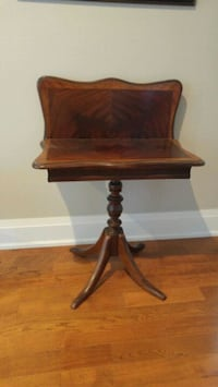 Unusual hall pedestal table with inlay pattern Ottawa, K1S 3W7