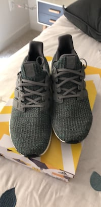 Pair of gray/green adidas ultra boost Rockville, 20850