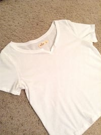 Hollister white top